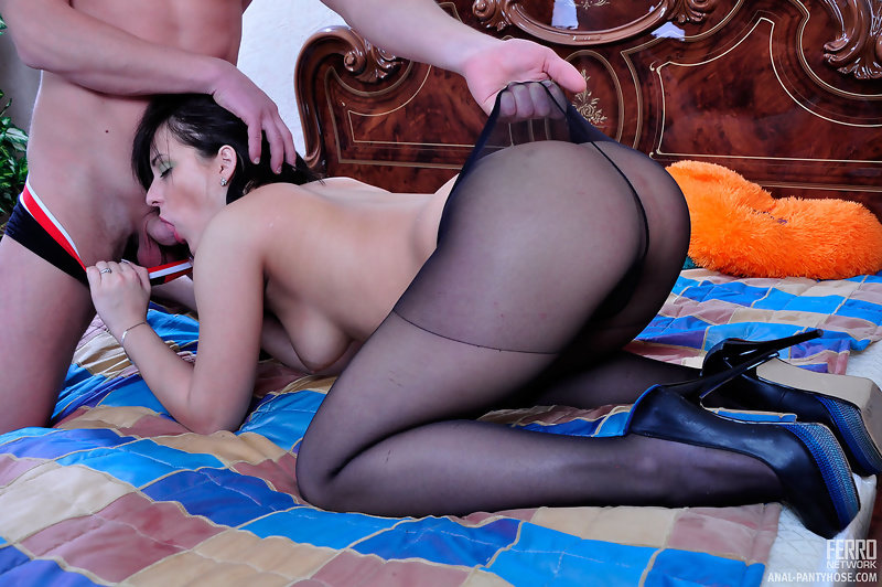 Elba recommend Stephanie shaves her pussy