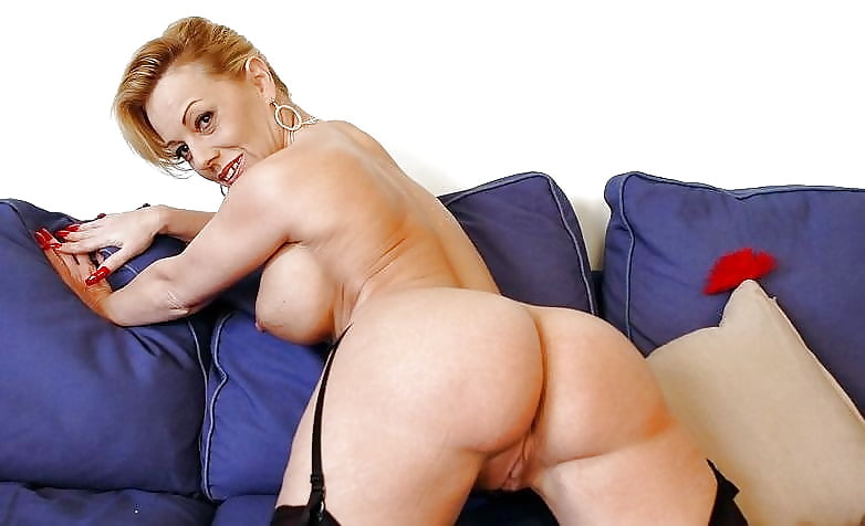 Beseke recommend Adrianne pantyhose video