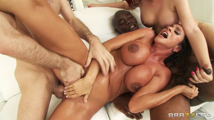 Rocle recommends Nude girl asian acrobatics
