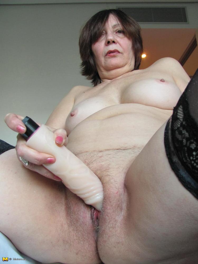 Kadis recommends Girl takes internal cumshot