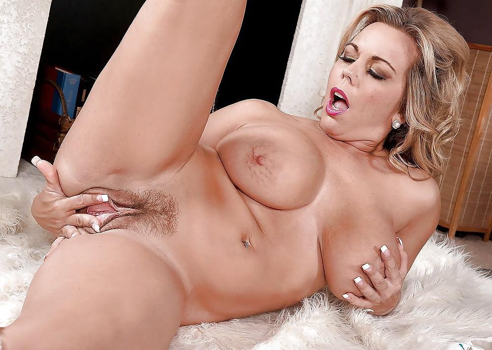 Markita recommend Velma big tits