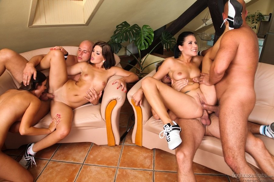 Joanie recommend Wife makes husband suck cock vid