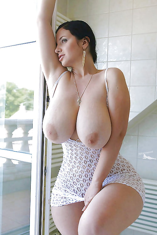 Georgianna recommends Awesome bathroom drinking gorgeous hottie peeing potty sexy slut toilet