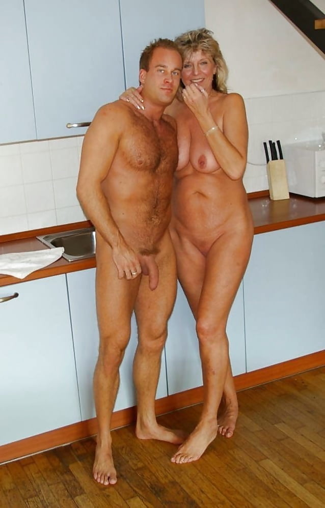 Rosso recommend Wife showing pussy in home movie