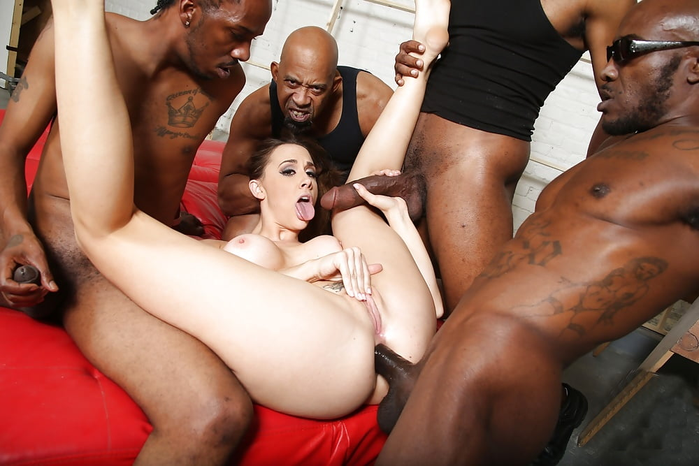 Charles recommends Party girl upskirt pussy